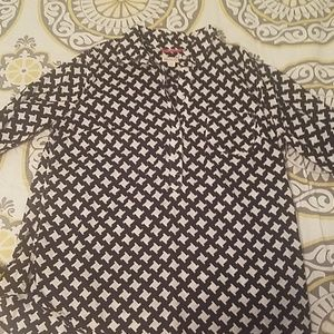 Black and white print pop-over shirt